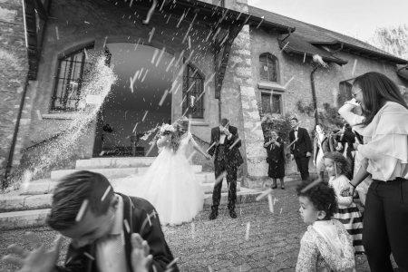 Mariage de Vanessa & Fabian  à L'église de Satigny - Photo : Julie Rheme