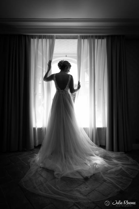 Mariage_Wedding_Bride_Dress_Robe_Bonmont_Chateau_Golf_Suisse_Photographe_Destination_Luxury_FineArt_JulieRheme