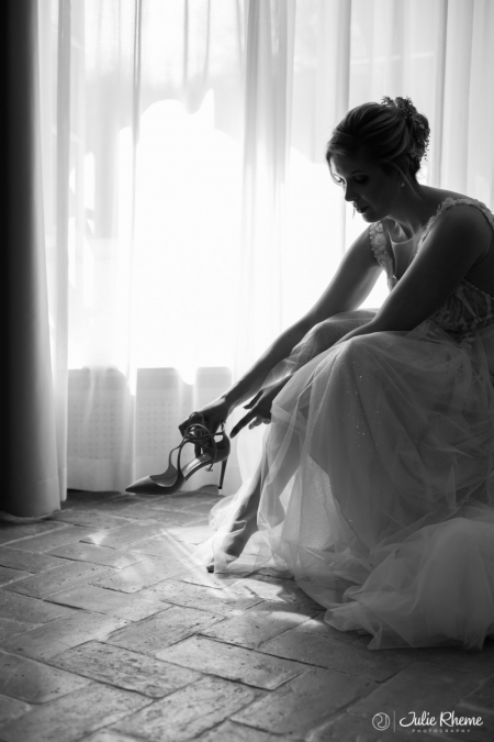 Mariage_Wedding_Chaussure_JimmyChoo_Bonmont_Chateau_Golf_Suisse_Photographe_Destination_Luxury_FineArt_JulieRheme